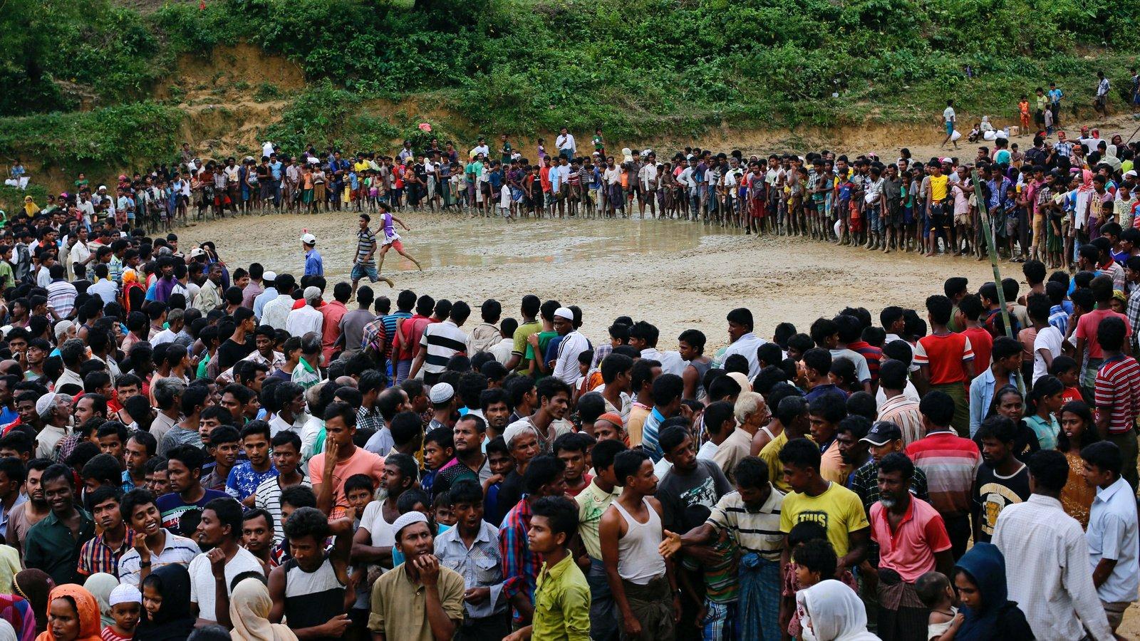 Grupo de migrantes en Bangladesh - Foto Danish Siddiqui/Reuters