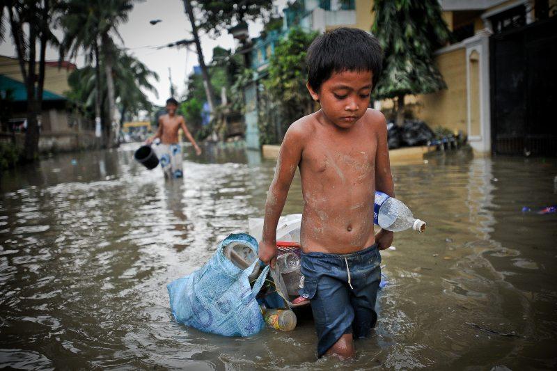 Los niños de ahora enfrentarán más desastres climáticos que sus abuelos.