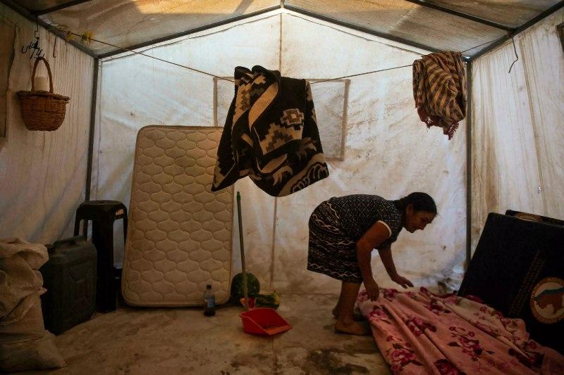 Miles de migrantes climáticos en Perú viven en refugios temporales desde hace cinco años.