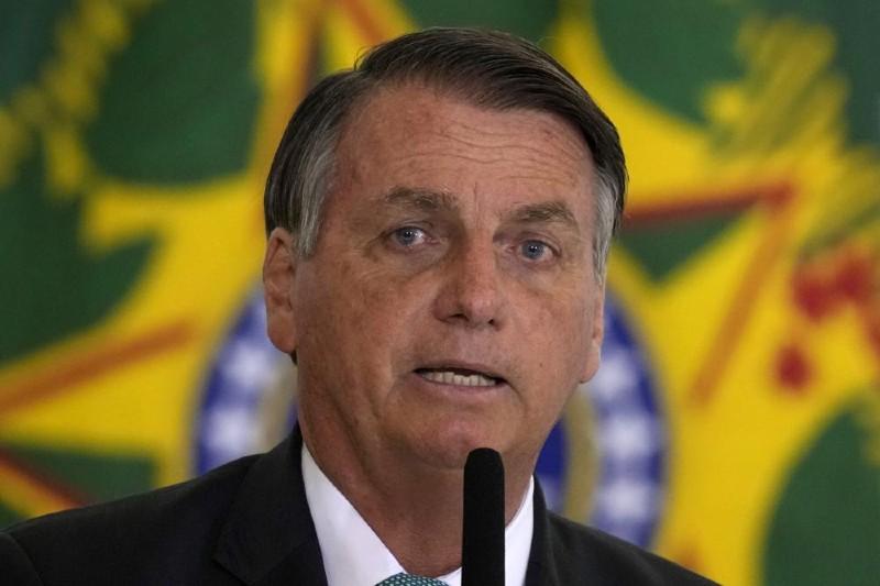 ONG denuncia a Bolsonaro por posibles crímenes ambientales.
