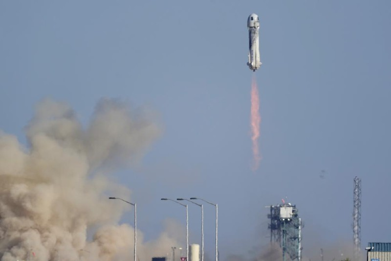 Príncipe William critica los viajes espaciales sobre la crisis climática