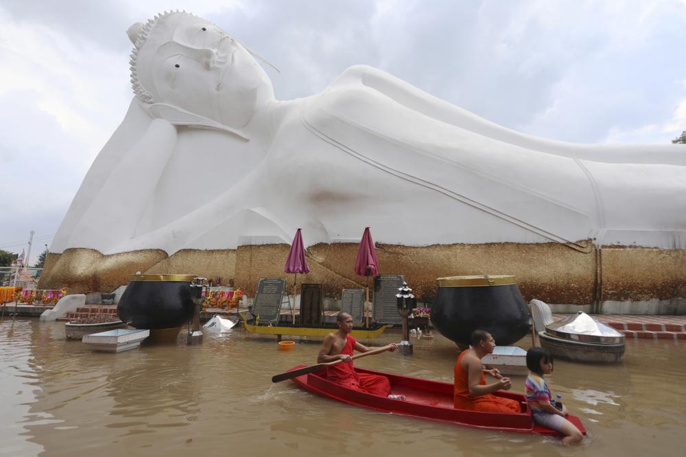 Hogares y monumentos se han inundado por tormentas recientes - Foto Nathathida Adireksarn)/AP